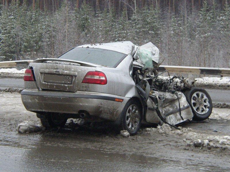 Следователи проводят проверку по факту автокатастрофы, в которой погибла маленькая девочка